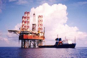 ВМС Индонезии будут обеспечивать охрану морских объектов нефтегазодобычи
